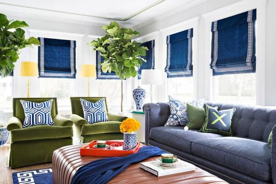 Ahhh Roman Shades. I love them. I think they instantly elevate the look of a room and add a huge sense of design. Roman shades also come in lots of fun patterns and fabrics too, so you can go all out or keep it more subdued. Either way, both options are gorgeous.
