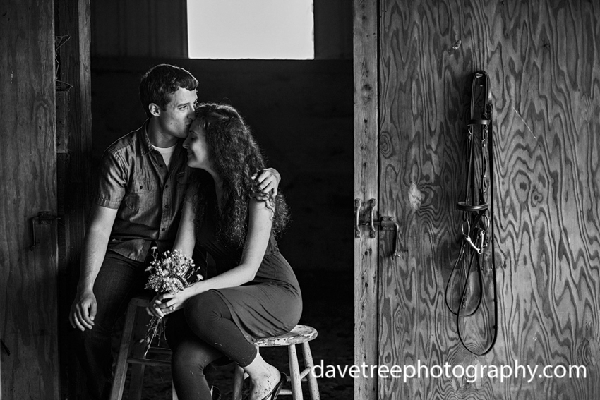 natural-light-bohemian-feel-summer-farm-kalamazoo-engagement-photography-90