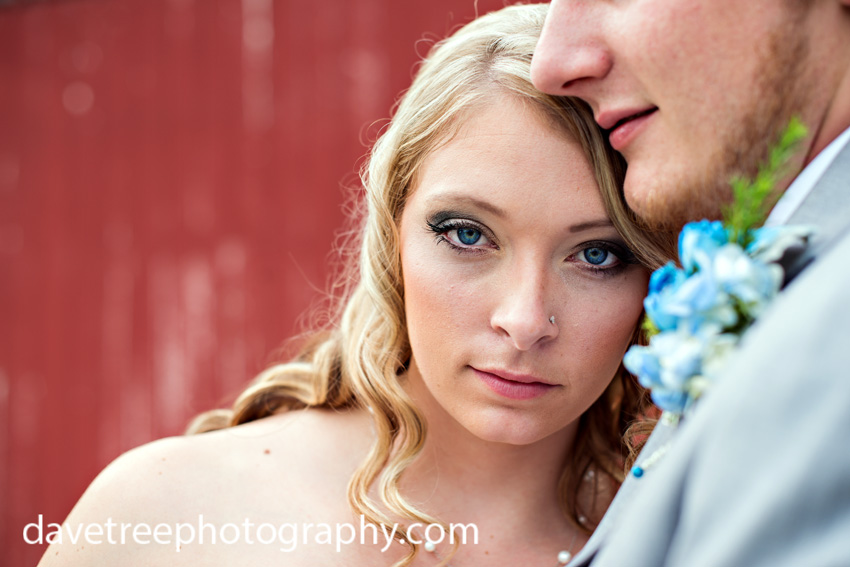 detroitlionsinspiredweddingsaginawmichiganweddingphotographers09