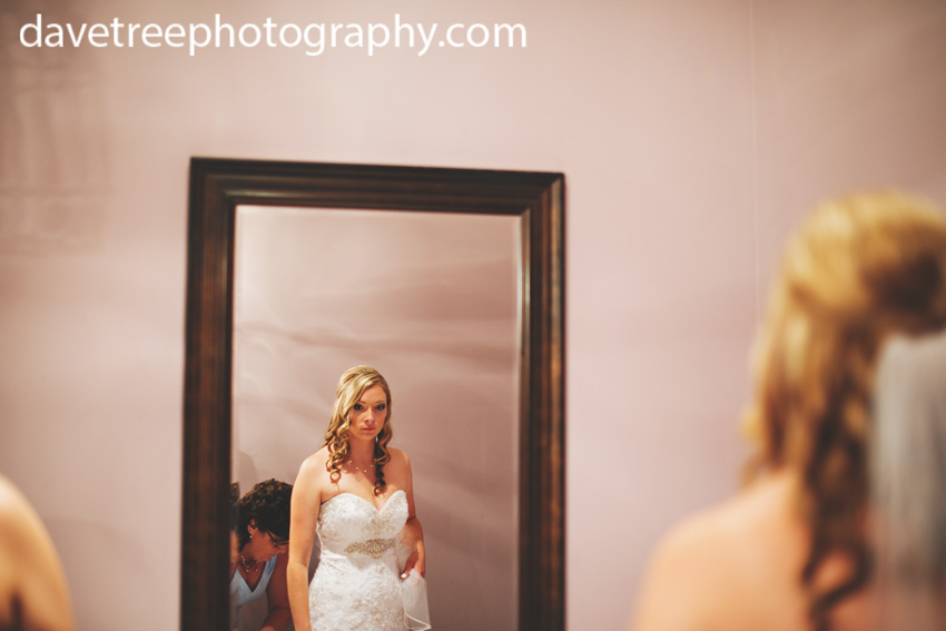 detroitlionsinspiredweddingsaginawmichiganweddingphotographers55