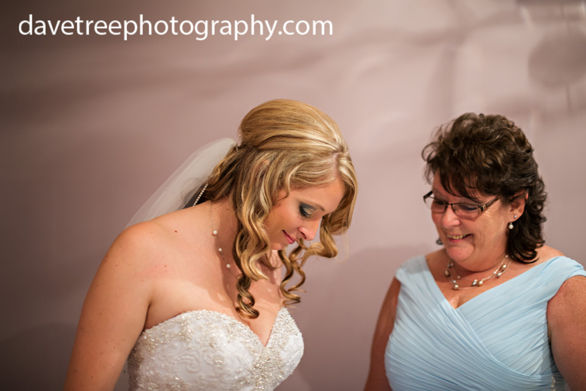detroitlionsinspiredweddingsaginawmichiganweddingphotographers58