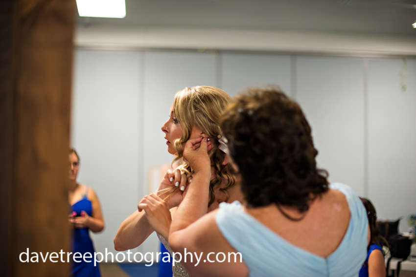 detroitlionsinspiredweddingsaginawmichiganweddingphotographers75