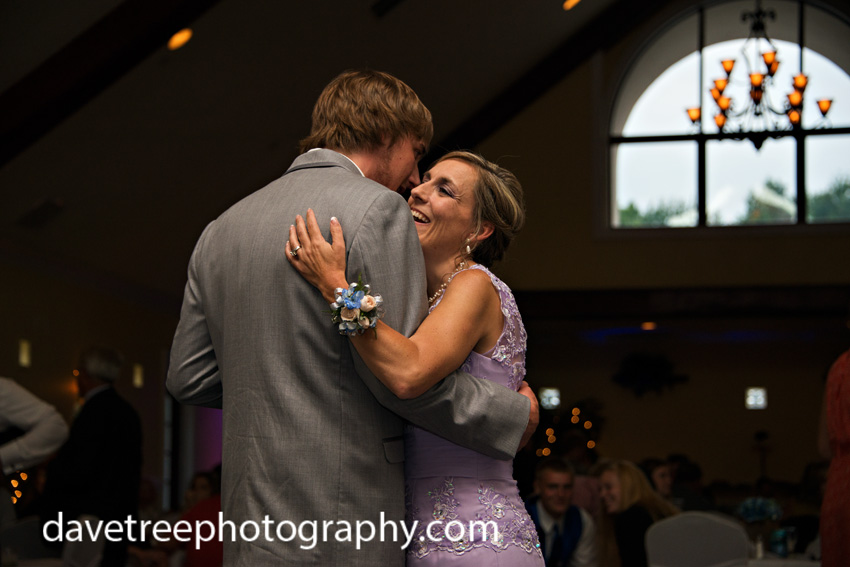 detroitlionsinspiredweddingsaginawmichiganweddingphotographers96