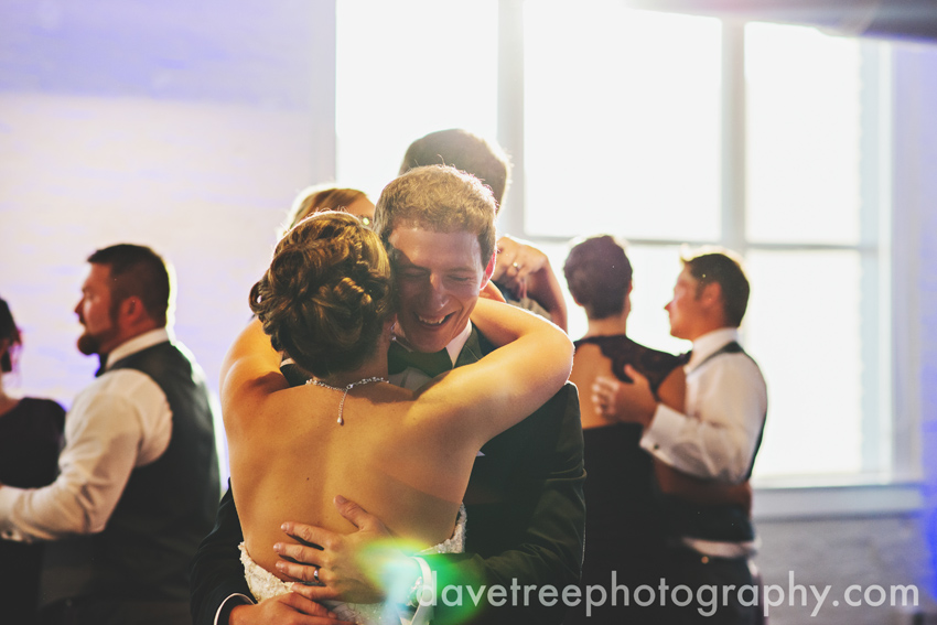 loft_310_wedding_kalamazoo_wedding_photographers_17