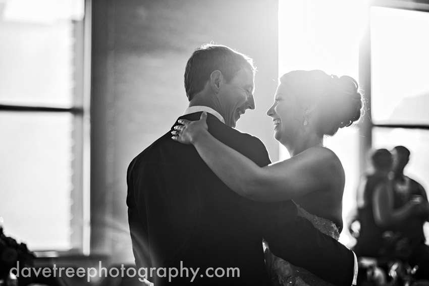 loft_310_wedding_kalamazoo_wedding_photographers_21