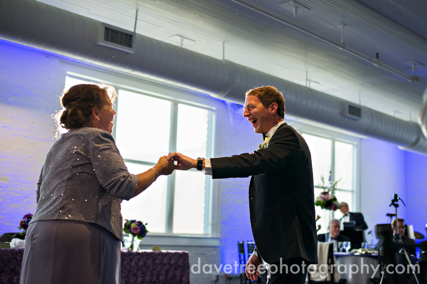 loft_310_wedding_kalamazoo_wedding_photographers_24