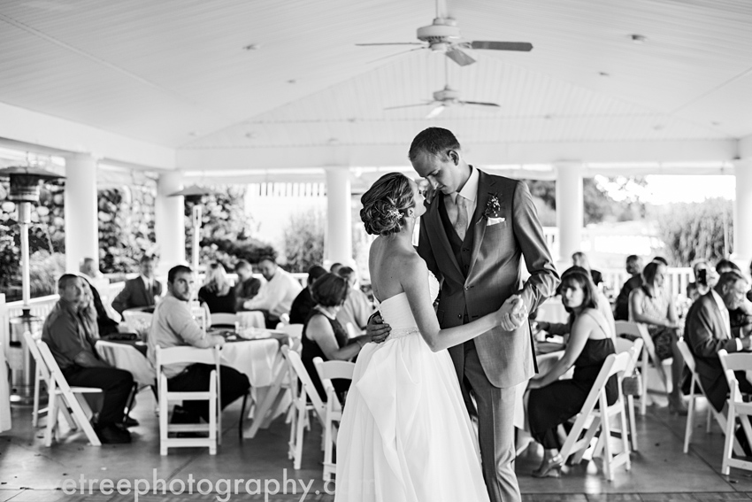 bay_pointe_inn_wedding_photographers_destination_wedding_photographers_75
