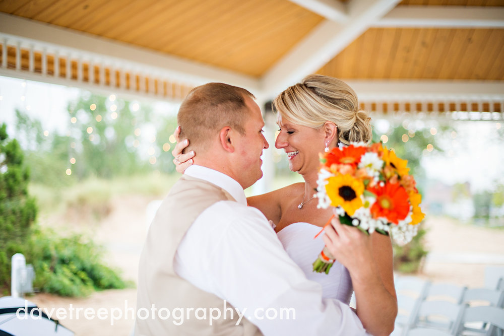 lake_michigan_wedding_photographer_st_joseph_35.jpg