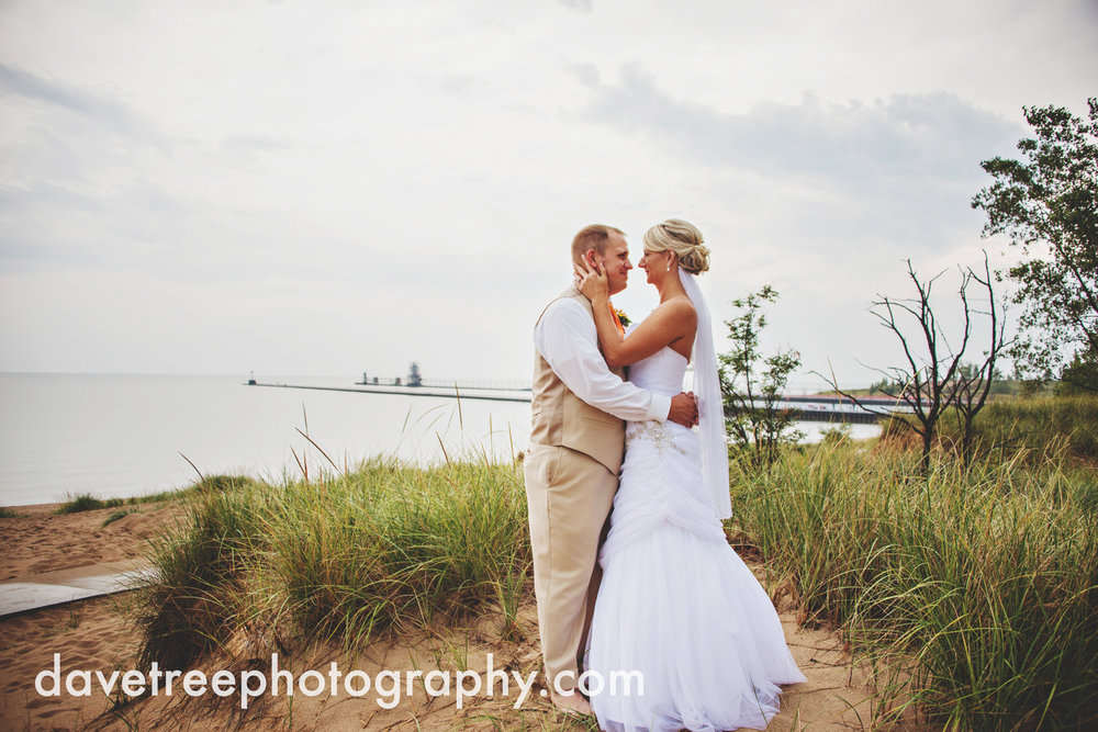 lake_michigan_wedding_photographer_st_joseph_10.jpg