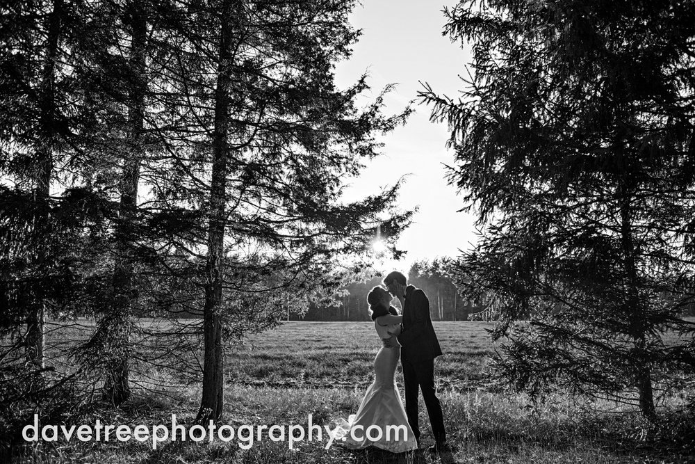 northern_michigan_wedding_photographer_grand_haven_wedding_photographer_55.jpg