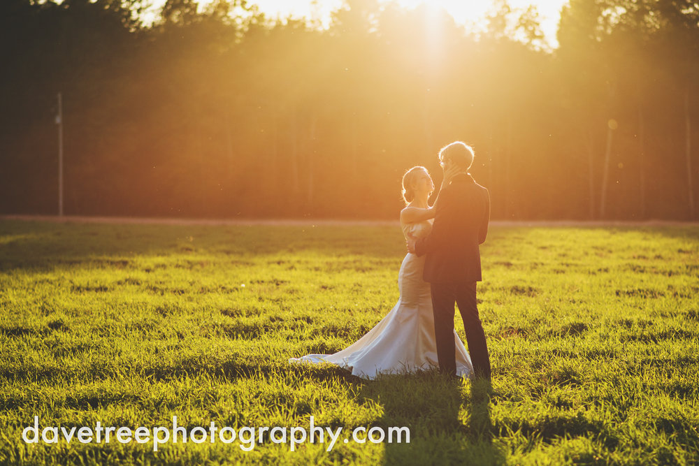 northern_michigan_wedding_photographer_grand_haven_wedding_photographer_31.jpg