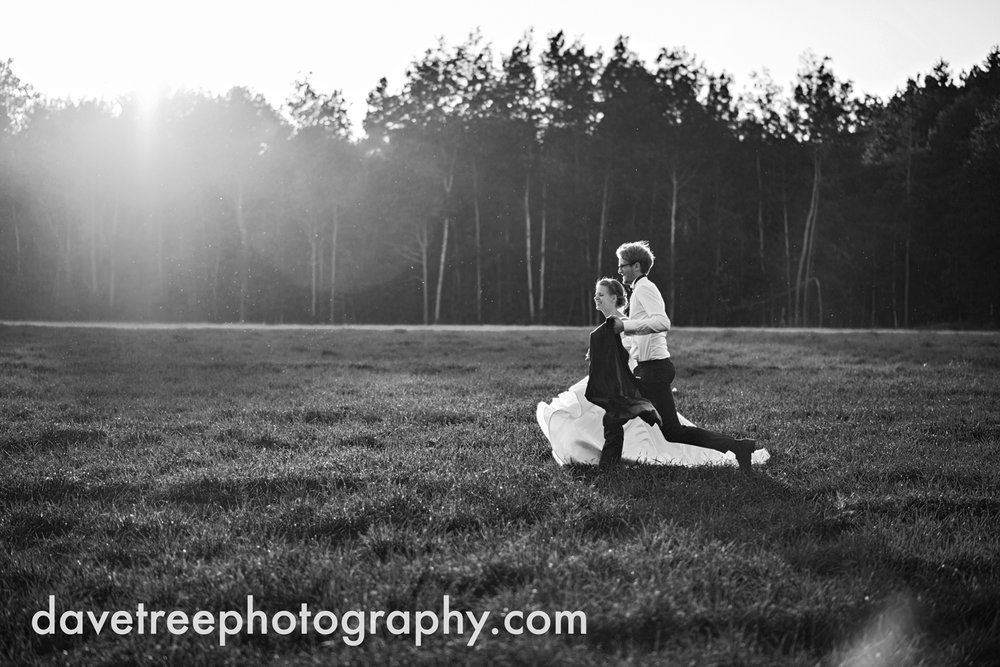 northern_michigan_wedding_photographer_grand_haven_wedding_photographer_33.jpg