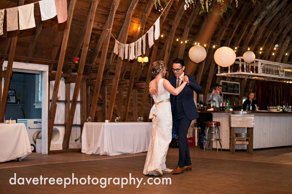 benton_harbor_wedding_photographer_blue_dress_barn_120.jpg