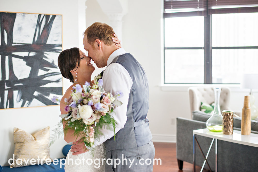 loft310_wedding_photographer_kalamazoo_wedding_photographer_397.jpg
