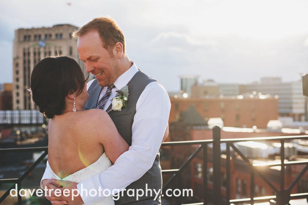 loft310_wedding_photographer_kalamazoo_wedding_photographer_322.jpg