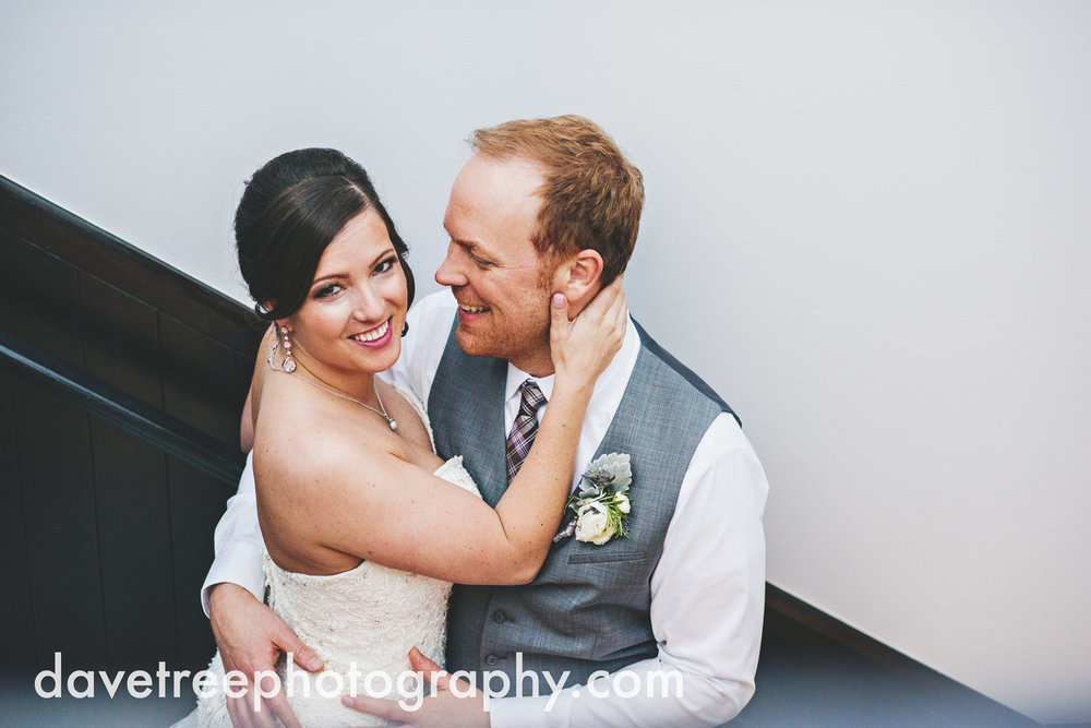 loft310_wedding_photographer_kalamazoo_wedding_photographer_323.jpg
