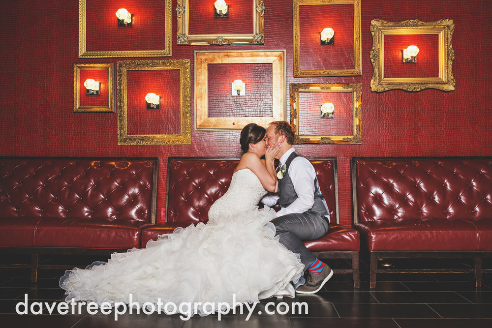 loft310_wedding_photographer_kalamazoo_wedding_photographer_309.jpg