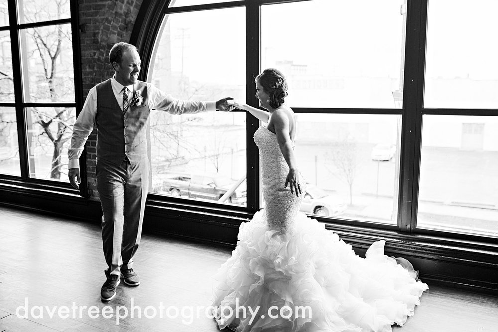 loft310_wedding_photographer_kalamazoo_wedding_photographer_312.jpg