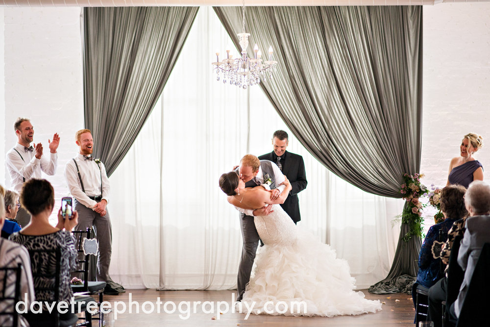 loft310_wedding_photographer_kalamazoo_wedding_photographer_330.jpg