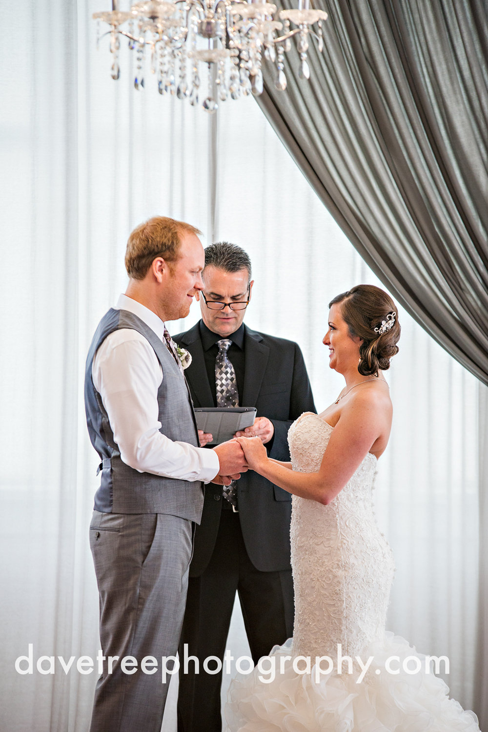loft310_wedding_photographer_kalamazoo_wedding_photographer_333.jpg
