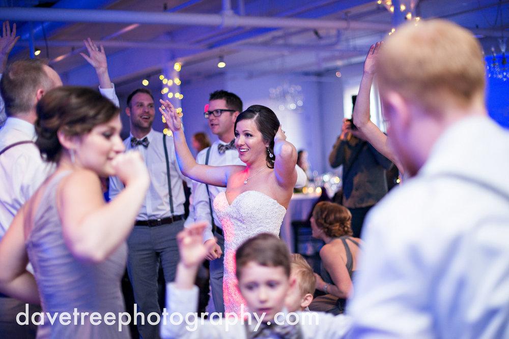 loft310_wedding_photographer_kalamazoo_wedding_photographer_366.jpg