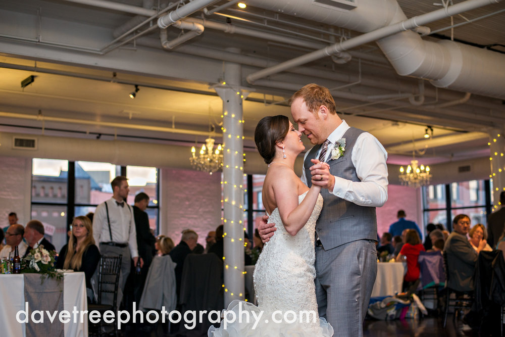 loft310_wedding_photographer_kalamazoo_wedding_photographer_383.jpg