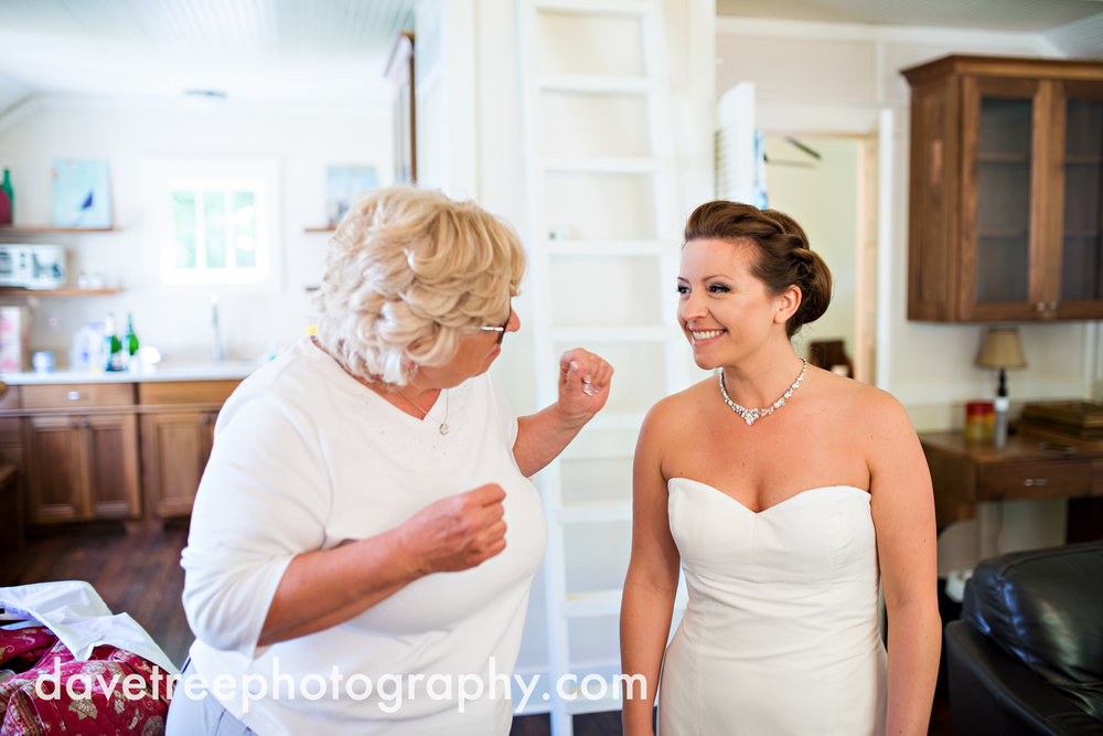 michigan_vineyard_wedding_photographer_davetree_photography_410.jpg