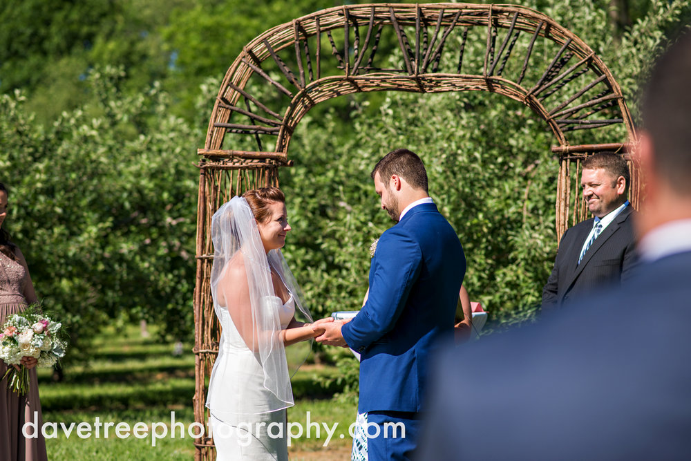 michigan_vineyard_wedding_photographer_davetree_photography_361.jpg