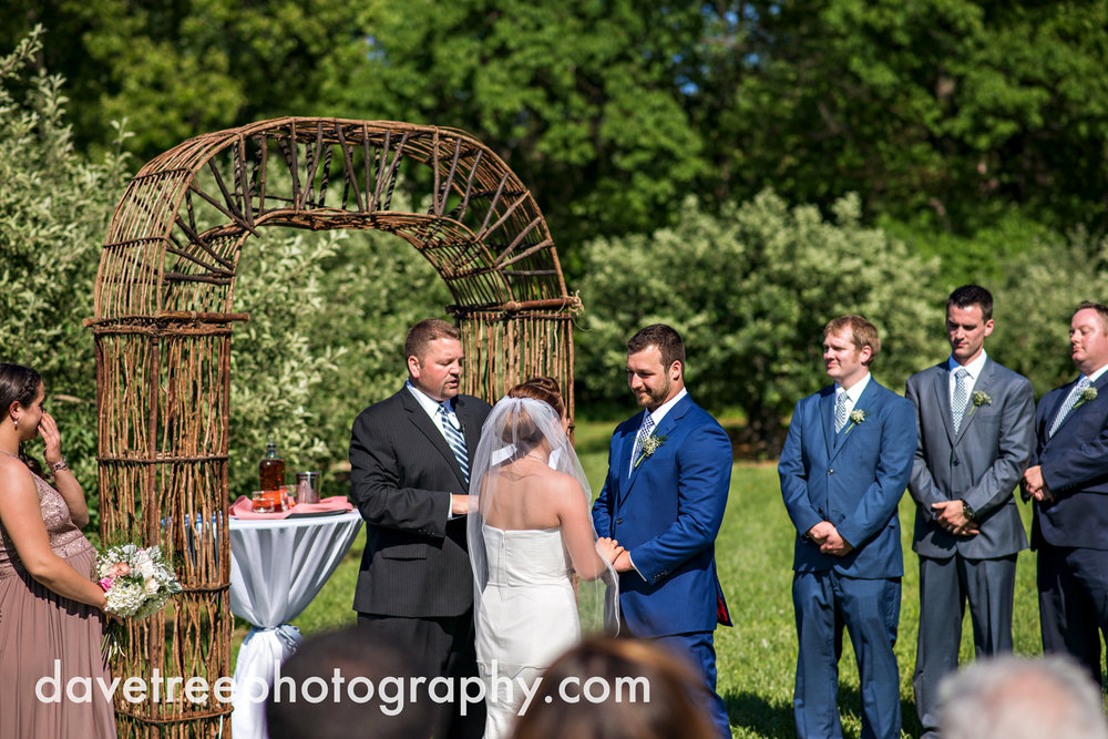 michigan_vineyard_wedding_photographer_davetree_photography_363.jpg