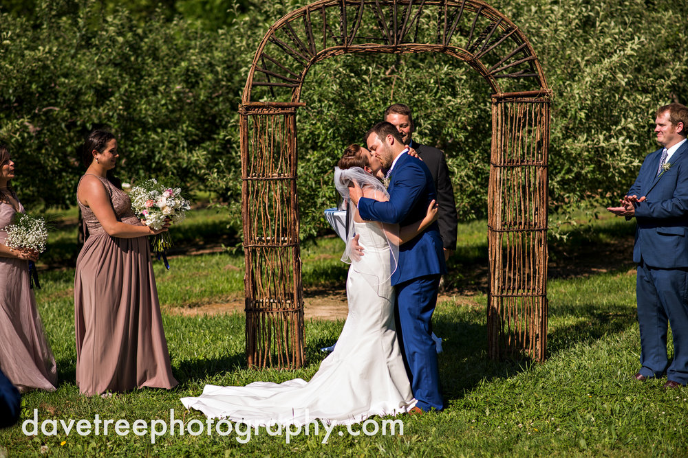 michigan_vineyard_wedding_photographer_davetree_photography_364.jpg