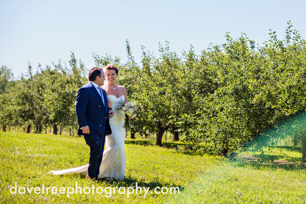 michigan_vineyard_wedding_photographer_davetree_photography_366.jpg