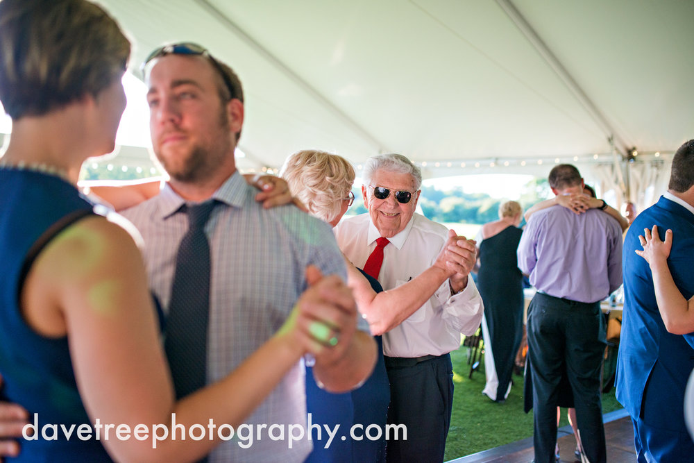 michigan_vineyard_wedding_photographer_davetree_photography_376.jpg
