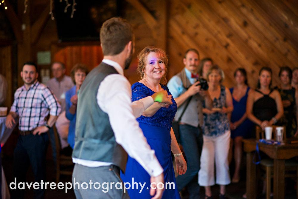 brooklyn_wedding_photographer_brooklyn_michigan_21.jpg