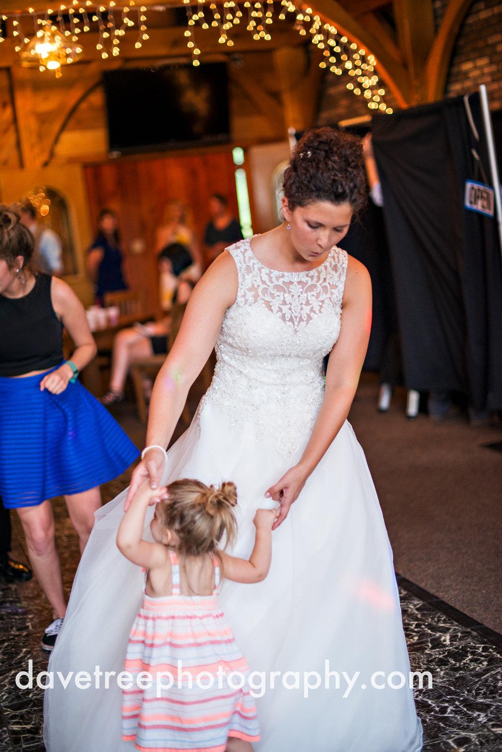 brooklyn_wedding_photographer_brooklyn_michigan_28.jpg