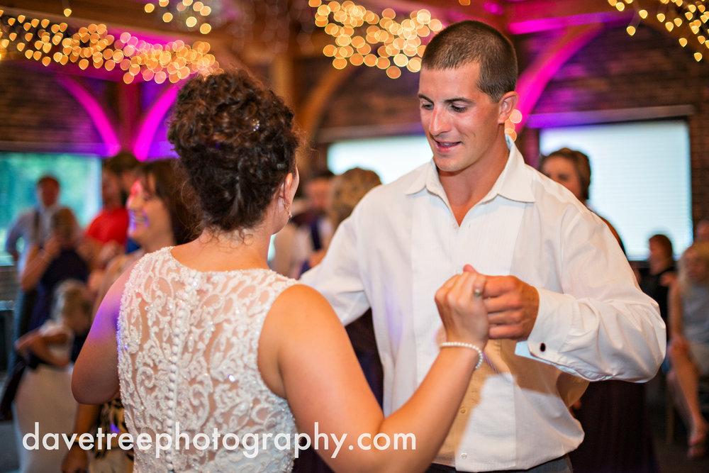 brooklyn_wedding_photographer_brooklyn_michigan_33.jpg