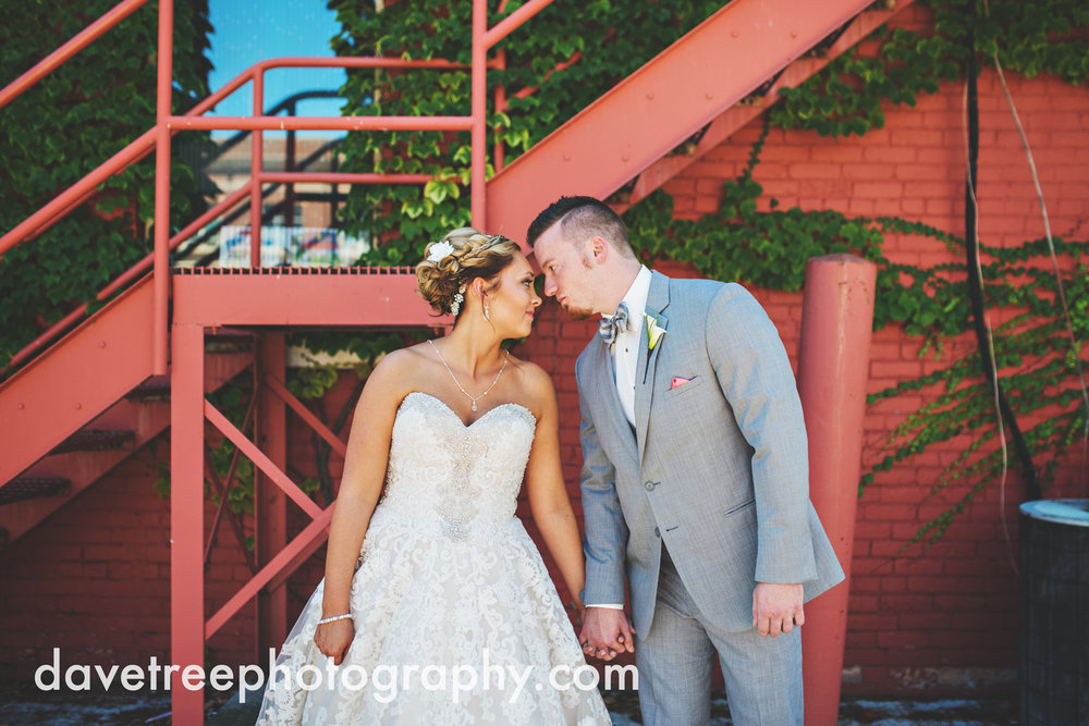 veranda_wedding_photographer_st_joseph_wedding_07.jpg