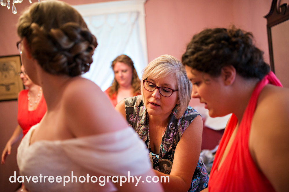grand_haven_wedding_photographer_weaver_house_wedding_106.jpg