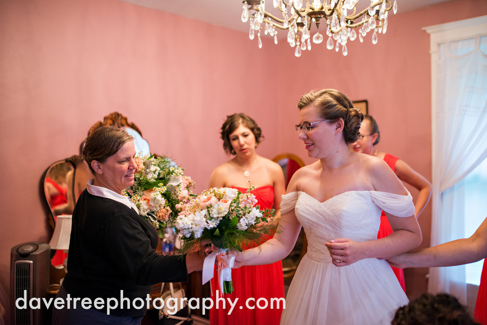 grand_haven_wedding_photographer_weaver_house_wedding_111.jpg