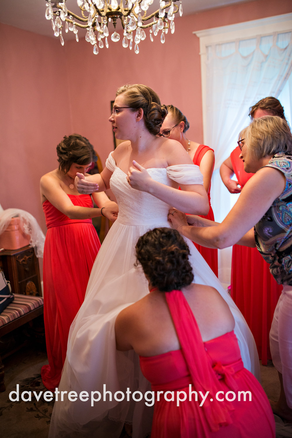 grand_haven_wedding_photographer_weaver_house_wedding_110.jpg