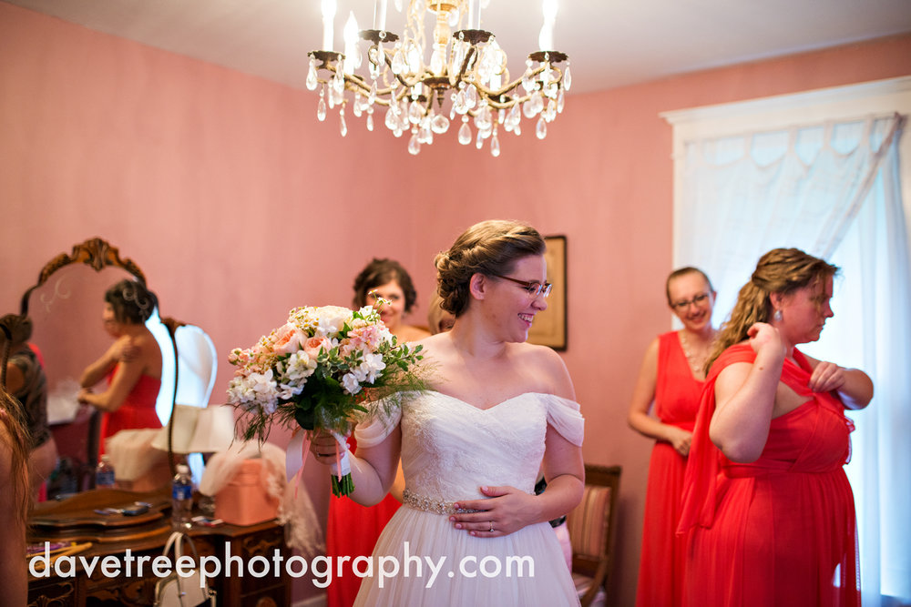 grand_haven_wedding_photographer_weaver_house_wedding_112.jpg
