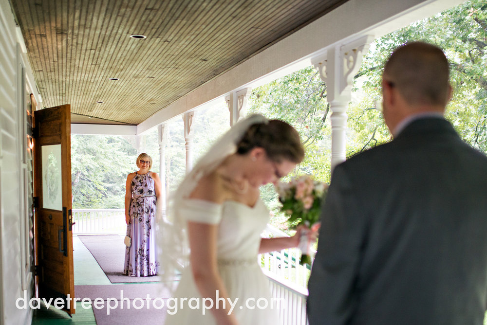 grand_haven_wedding_photographer_weaver_house_wedding_155.jpg