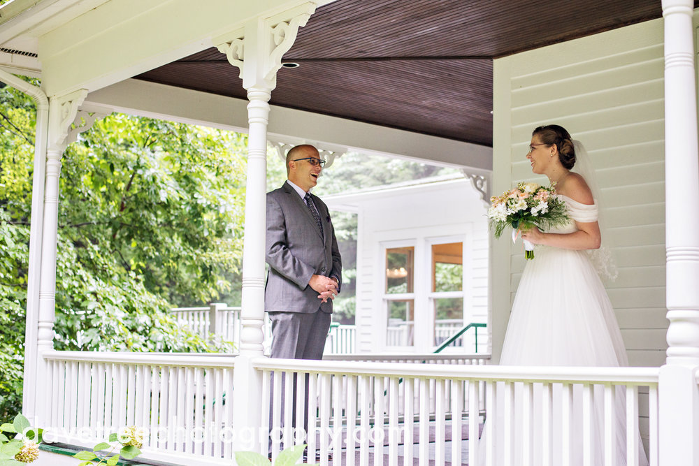 grand_haven_wedding_photographer_weaver_house_wedding_161.jpg