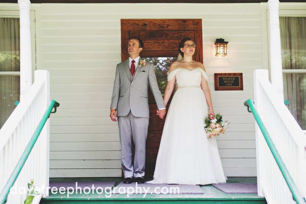 grand_haven_wedding_photographer_weaver_house_wedding_19.jpg