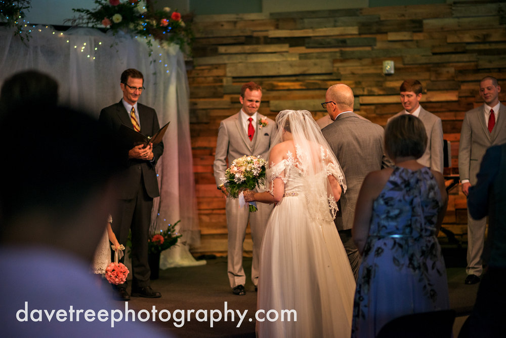 grand_haven_wedding_photographer_weaver_house_wedding_64.jpg