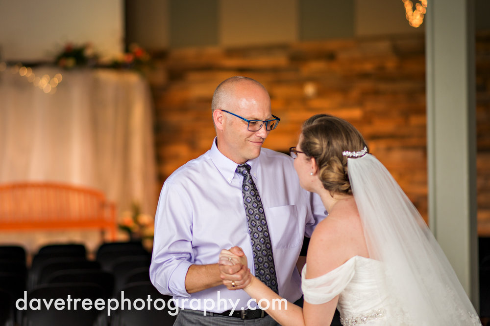 grand_haven_wedding_photographer_weaver_house_wedding_135.jpg