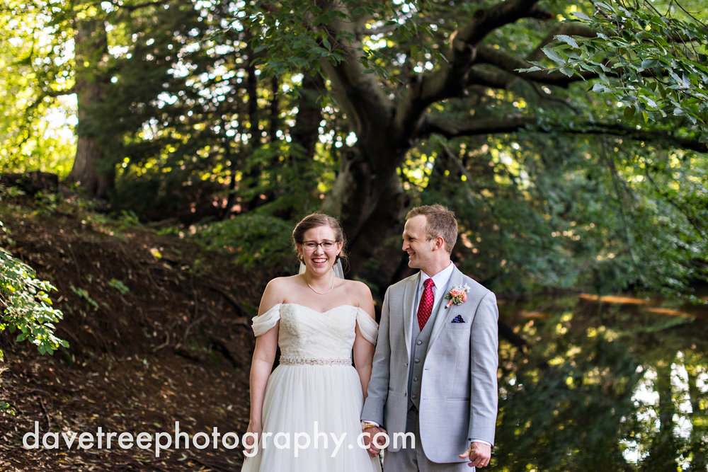 grand_haven_wedding_photographer_weaver_house_wedding_22.jpg