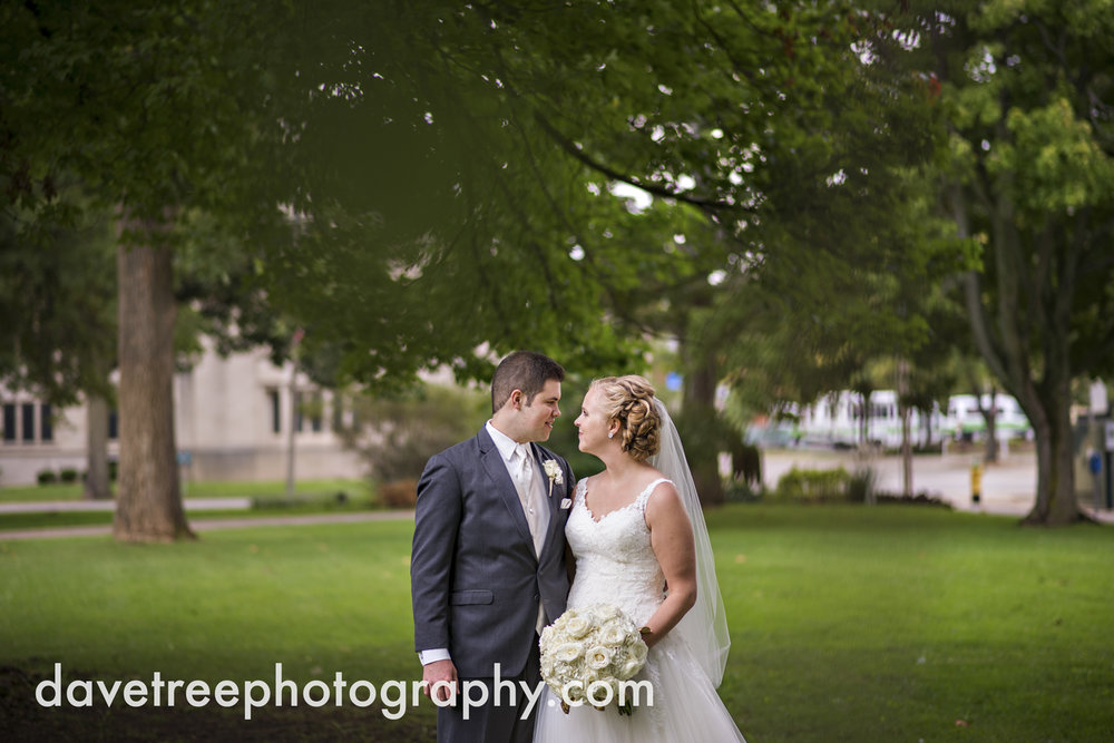 kalamazoo_wedding_photographer_Kalamazoo_weddings_2.jpg