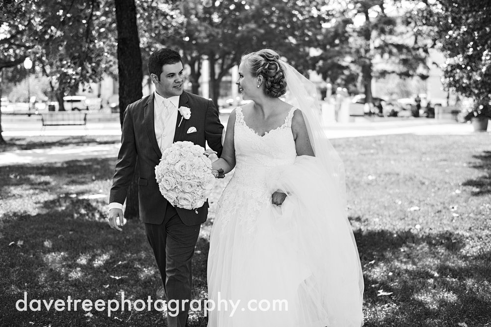 kalamazoo_wedding_photographer_Kalamazoo_weddings_3.jpg