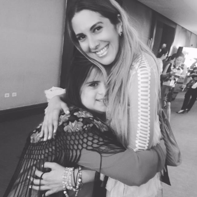 Con Isabella Springmuhl una de las diseñadoras de modas que más admiro por su talento y sabiduría. Gracias por recordarme que cada hilo es una extensión del corazón. Isabella ha llevado su trabajo e historia alrededor del mundo ->www.downtoxjabelle.com@forbes_centroamerica @womenatforbes #mujerespoderosasca