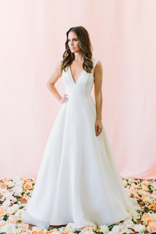 Milay-V-Neck-Circle-Skirt-Ball-Gown-Skirt-Wedding-Dress-compressor.jpg